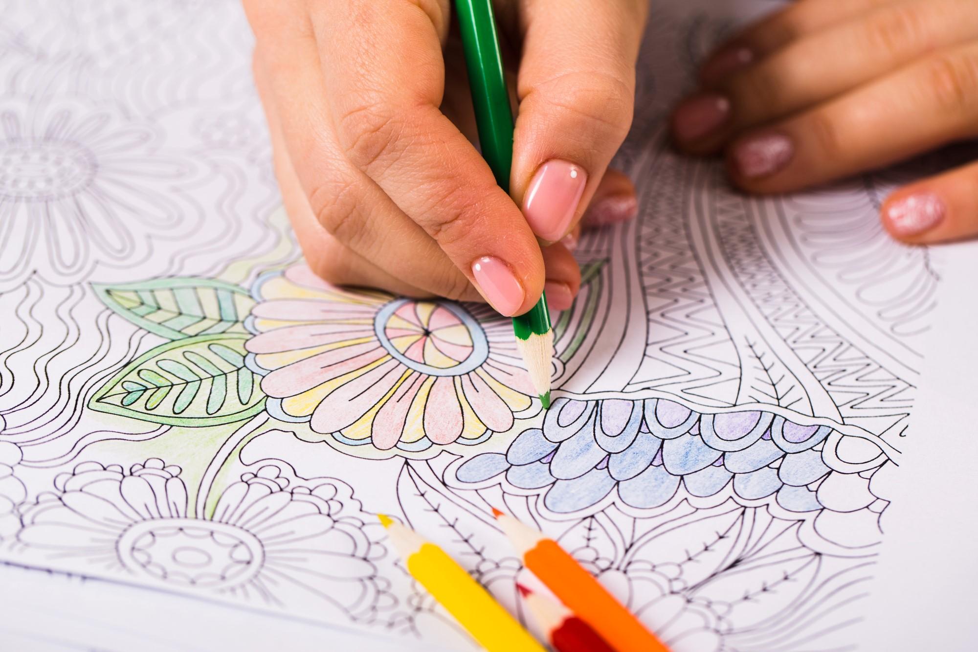 Des couleurs dans le confinement : et si vous vous lanciez dans le coloriage pour adulte ?
