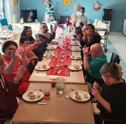 Repas de Noël au foyer de Saint-Michel de Rieufret